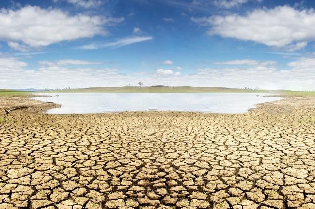 A dried lake near Brisbane during the Australian Millenium Drought.