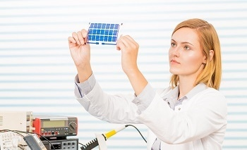 Solar (PV) Panel Comparison for Efficiency, Material, Voltage