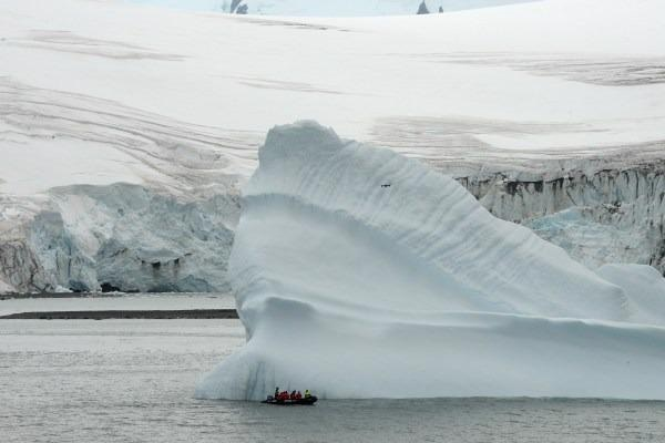 "Sampling an iceberg during the Powell 2020 research expedition close to the ""Juan Carlos I"" Spanish Antarctic Base/José Abel Flores."