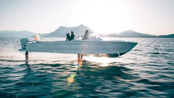 The Next Generation of Electric Boats Fly Above the Water – First Batch Arrives in New York Today
