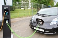 Electrical Vehicle Batteries Could have a Second Life as Backup Storage for Solar Farms