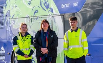 SSE's COP26 'Road to Renewables' EV Bus Heralds the Contribution of Their Young Green Engineers at Greater Gabbard
